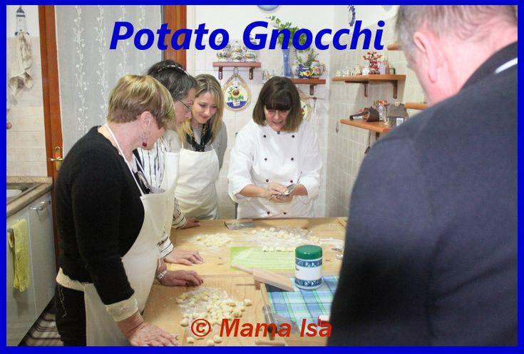 Potato Gnocchi Workshop - the art of gnocchi making in Italy with Mama Isa #gnocchi #italianfood #isacookinpadua #cookingclass #italy