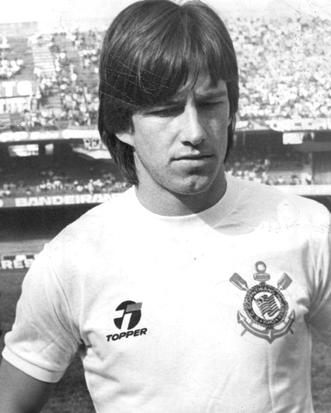 Dunga, Corinthians (1984–85).