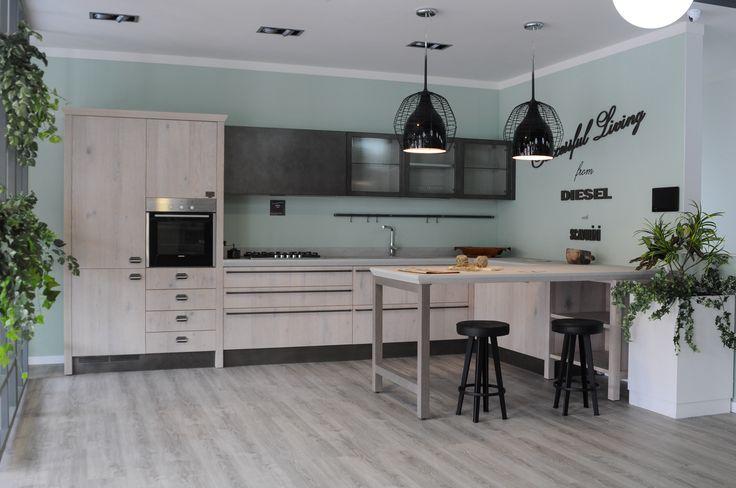 Diesel Social Kitchen in esposizione nello Store di Lamezia Terme - Cucina moderna Scavolini