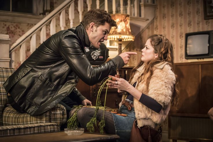 Jeremy Irvine & Charlotte Hope in Buried Child, Trafalgar Studios, photo Johan Persson https://www.fromtheboxoffice.com/3LM9-buried-child/