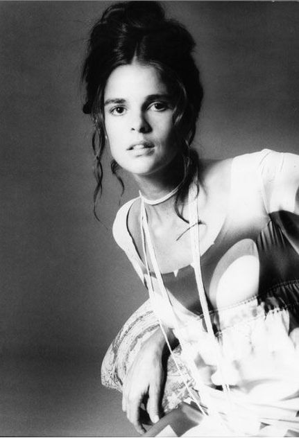 WALKING ON FIFTH AVENUE WITH  BOB EVANS: GREAT ACTING TALENT Ali MacGraw by Elisabetta Catalano