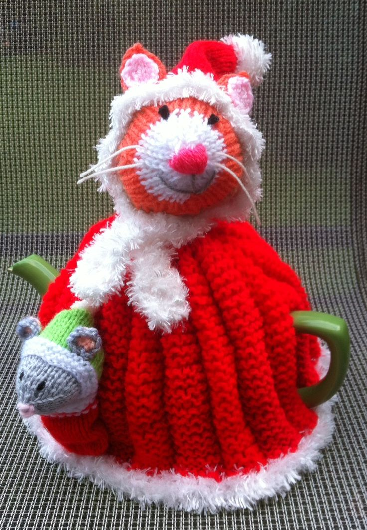 Santa cat tea cosy