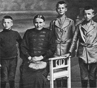 Marinus van der Lubbe, left, with his mother and brothers. From Ranterz: Just Holy Ranting, Living in Leiden