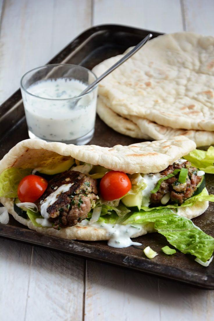 Chic, chic, chocolat...: Gyros à l'agneau et pains plats maison