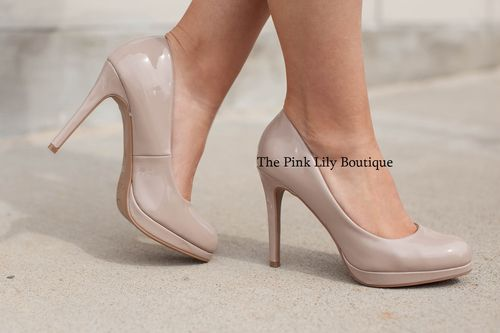 We are obsessing over these new heels! Nude material, a closed toe, and a 4 and a quarter inch heel finishes your new favorite booties!