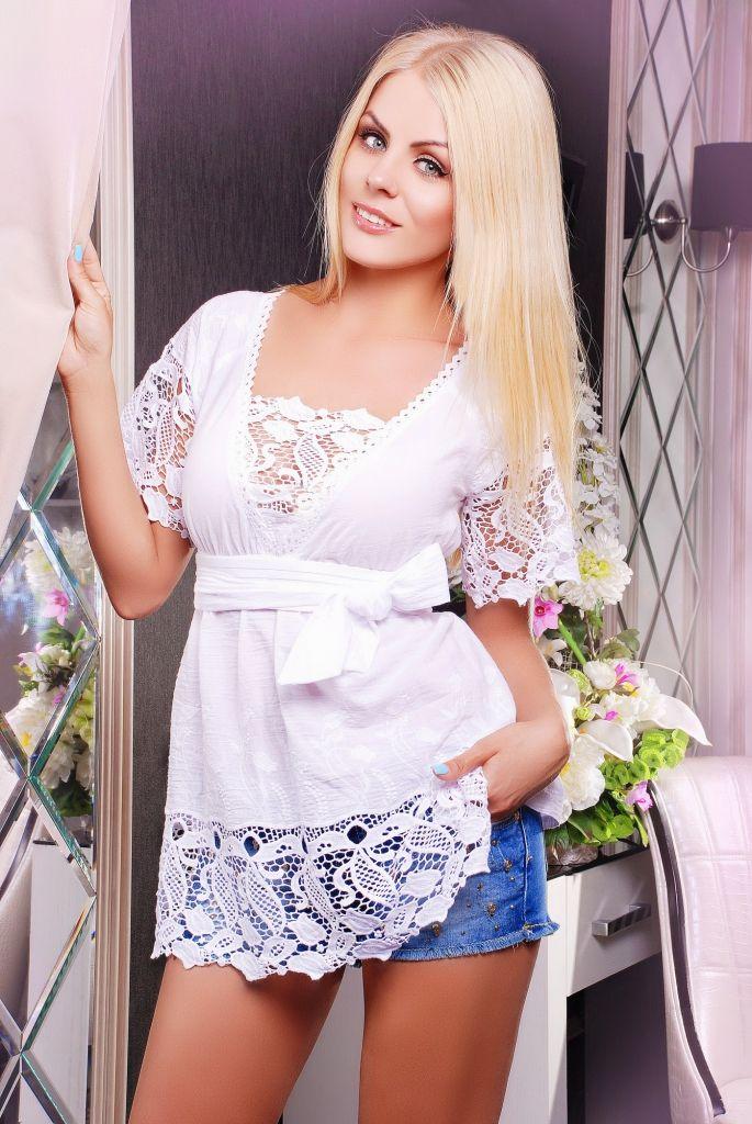 Кружевные блузки (66 фото): модели блуз, с кружевными вставками