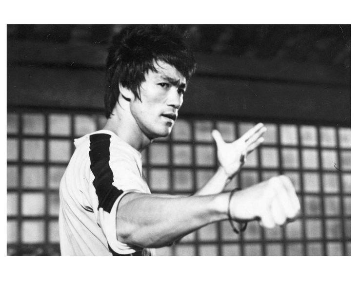 Помните, что успех - это путь, а не конечная точка. ⌛Приглашаем всех ребят к нам в клуб!⌛ Первая тренировка бесплатно. 🏠 Адрес тренировок Москва ул. Вятская дом 27, корпус 12 ☎ Записаться на тренировки: +7-903-255-47-61 Владимир #каратэ #кимоно #единоборства #karate #муайтай #бокс #айкидо #джиуджитсу #самбо #рукопашка #боевойклуб #ashihara #джитсу #клубединоборств #смешанныебои #секцииединоборств #занятие #единоборствами #спортивные #секции #секциикикбоксинга #центр #лоукик #Москва…