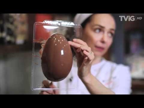 Ovo de chocolate recheado com brigadeiro de colher
