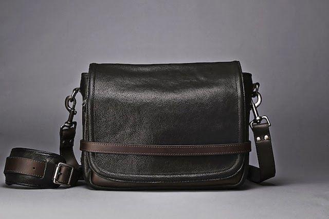 WotanCraft Ryker (Urban Classic 001) Elegant camera bag, ideal for mirrorless. #bag #mirrorless