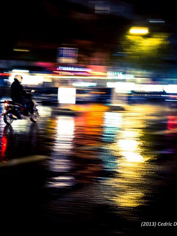 Photographie d'Art Paris la nuit, la pluie et les reflets de lumières