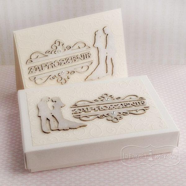Zaproszenie ślubne w pudełku.  Pudełko Latarnia Morska ozdobione tekturkami.