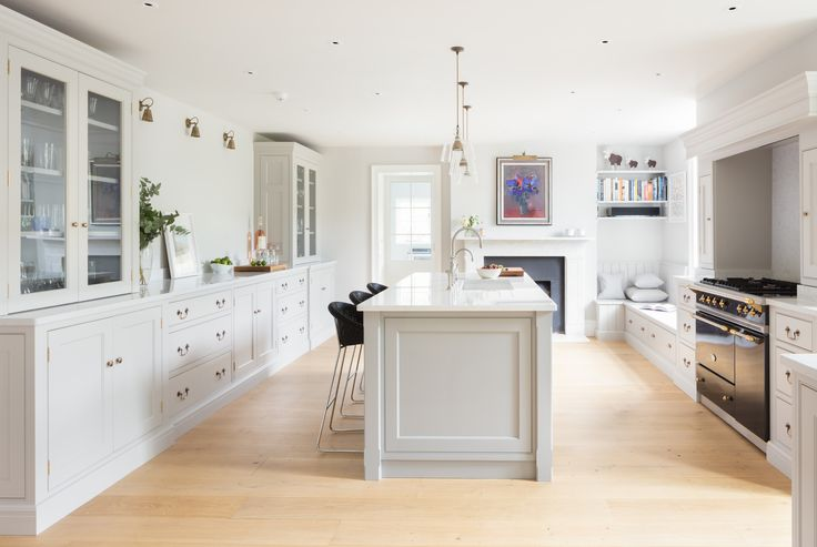 Georgian Farmhouse Kitchen, Hampshire - Humphrey Munson Kitchens