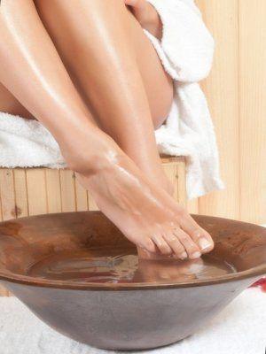 Bain de pieds à base de sels d'epsom pour oedeme des pieds