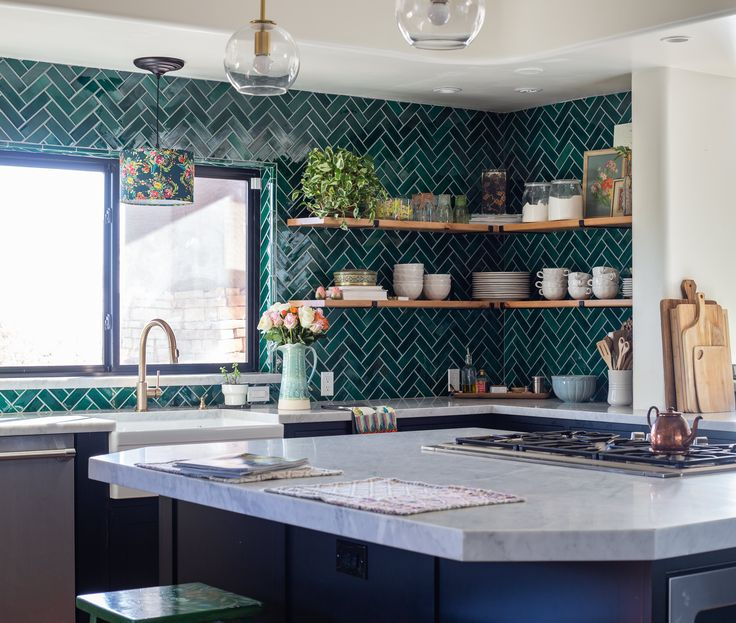 This Arizona Home Is Filled With Utterly Fantastic Hand-Painted Florals