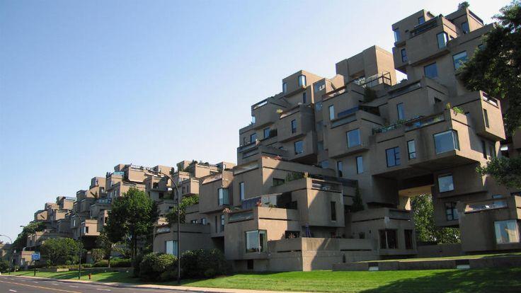 Habitat-67 est construit dans le cadre de l'exposition universelle tenue à Montréal en 1967. L'ensemble est un prototype, demeuré unique, d'un complexe d'habitation permettant une occupation de forte densité. L'ensemble compte 158 appartements fabriqués à l'aide de modules en béton. Cette première œuvre d'importance de l'architecte Moshe Safdie a contribué à sa renommée internationale. Photo : Jean-François Rodrigue, 2008 © Ministère de la Culture et des Communications