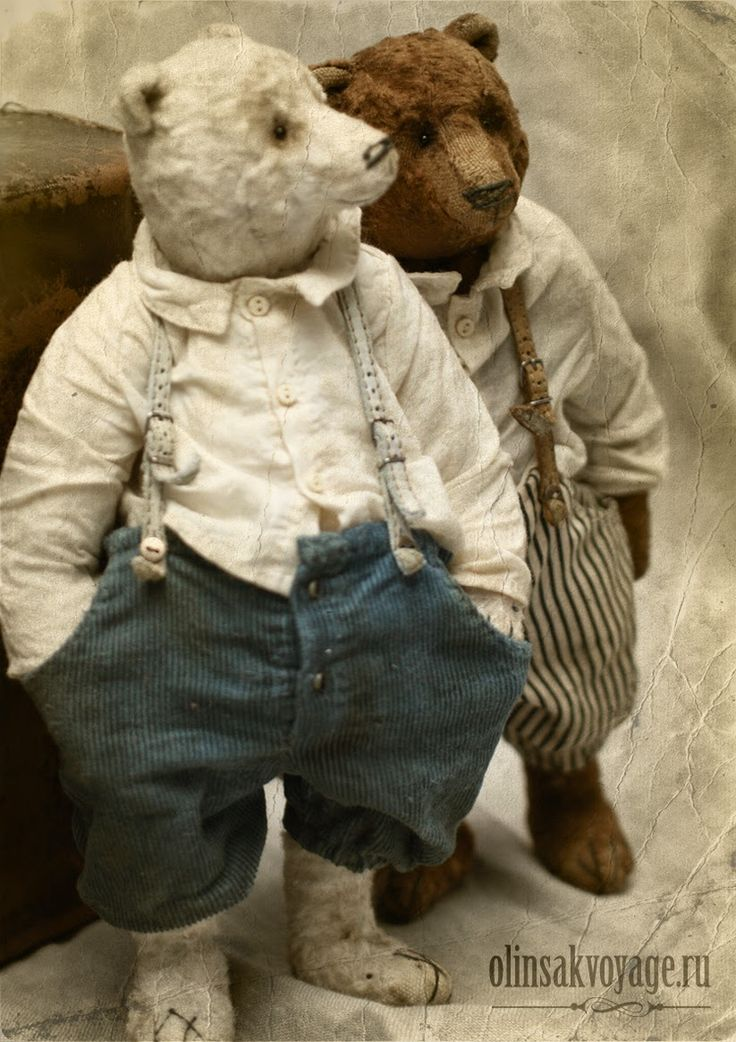 "olin sakvoyage: Мои ""Рузвельт медведи"". Just love those suspenders."