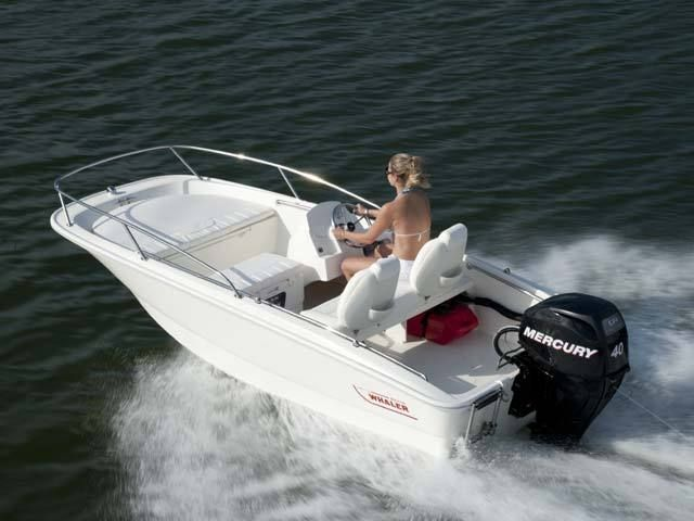 New 2013 Boston Whaler Boats 130