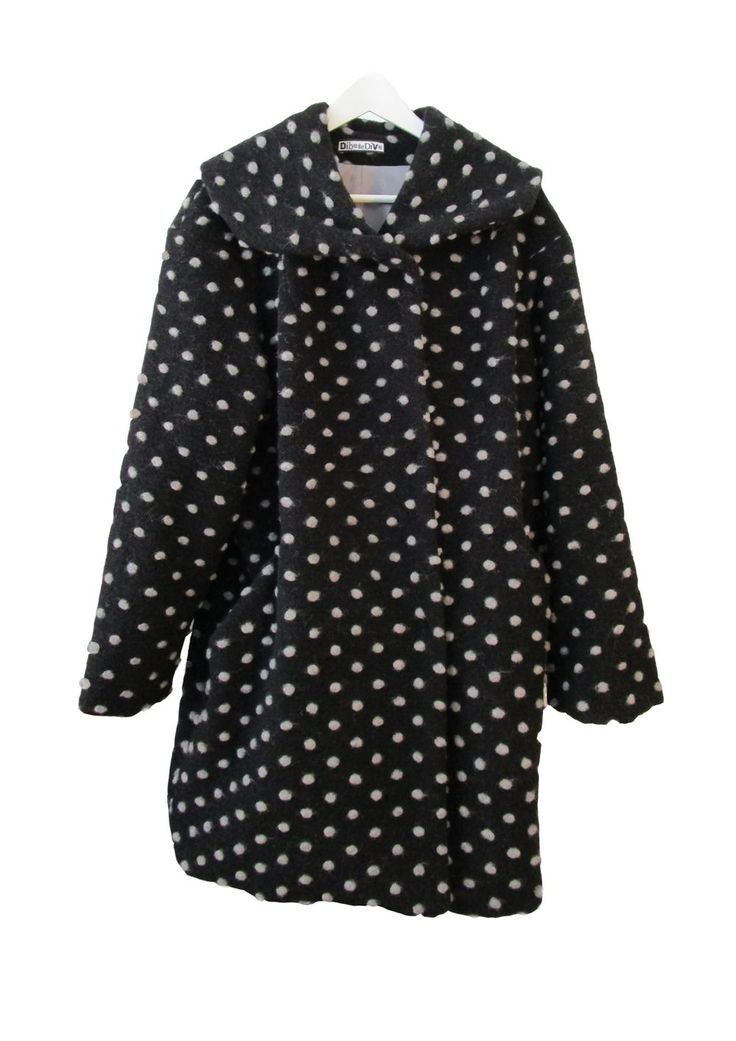 Coat Dottie Wool via DIBA se DIVA. Click on the image to see more!