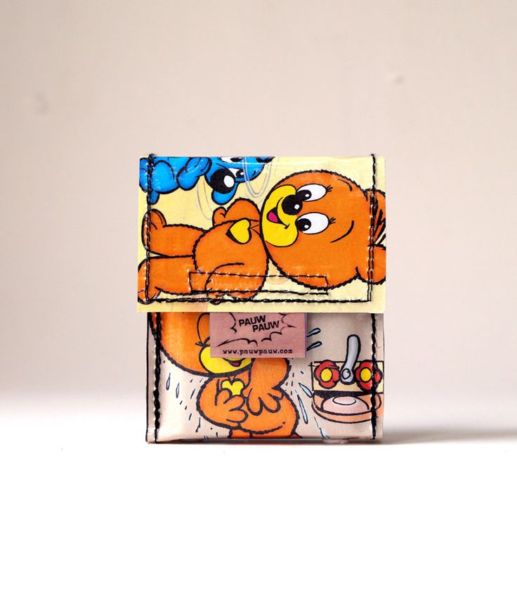 BUSSI BÄR Zigaretten Hülle  Comic upcycling! PauwPauw Hülle Zigarettenschachtel, Zigarettenetui, 90's Comic Recycling handmade in Berlin von PauwPauw auf Etsy