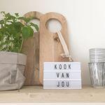 Winactie! Zie je de leuke lightbox van @lightboxstore.nl op mijn keukenschap staan? Ik mag nu een exemplaar in a6 formaat uitgevoerd in rosé gold incl. letterset weggegeven! Meedoen is simpel, volg ons beide op Instagram en laat onder dit bericht weten dat je meedoet. Maandagavond maak ik de winnaar bekend! Meer info over de winactie en de lightbox op mijn blog (link in bio) #winactie #lightbox #keukenschap