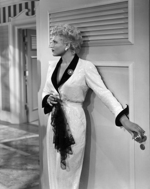 Judy Holliday in Born Yesterday (1950), costumes by Jean Louis