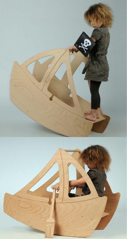 jouets en bois, grand bâteau                                                                                                                                                                                 Plus