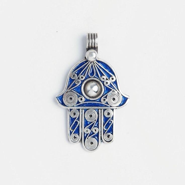 Pandantiv amuletă hamsa, argint și email albastru, Maroc #metaphora #morocco #silverjewellery #silverjewelry #pendant  #enamel #amulet #hamsa