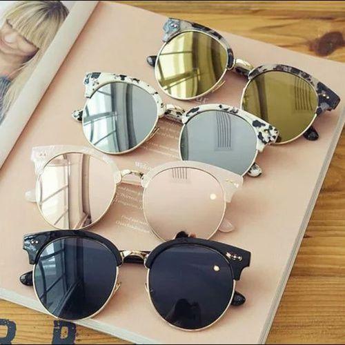 fashion, sunglasses, and summer image  Hier erfahrt Ihr mehr über verspiegelte Sonnenbrillen:  https://www.blickcheck.de/sehhilfen/brillen/sonnenbrillen/arten/verspiegelte-sonnenbrillen/