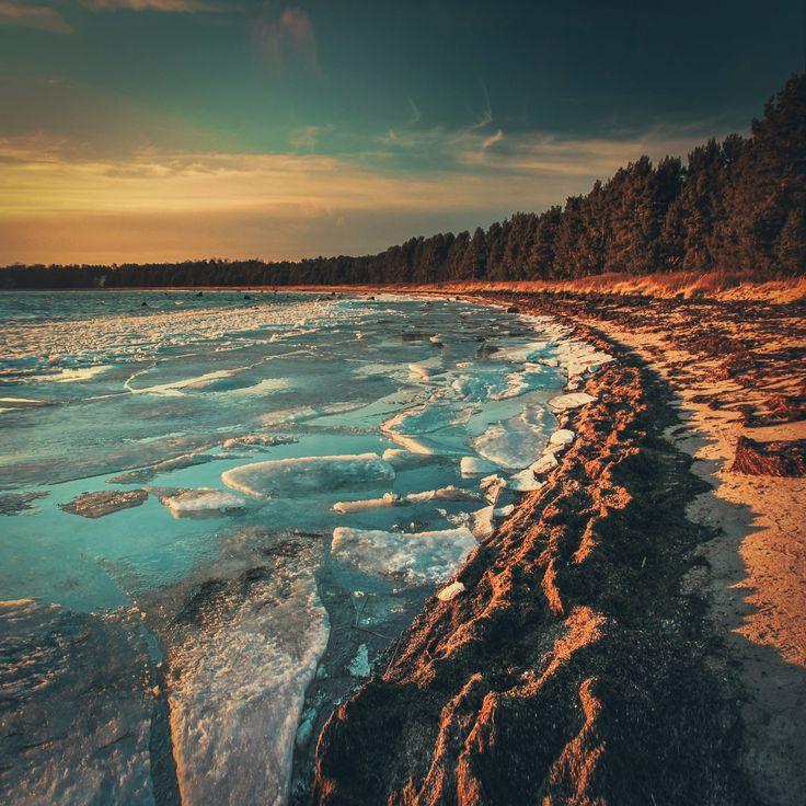 Blue ice lagoon - Beautiful Hanko beach.