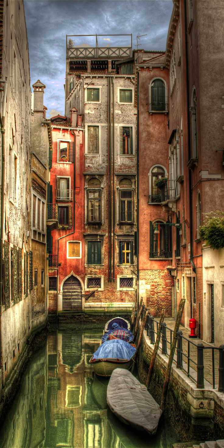 Venice Canals, Italy ✈✈✈ Here is your chance to win a Free Roundtrip Ticket to Milan, Italy from anywhere in the world **GIVEAWAY** ✈✈✈ https://thedecisionmoment.com/free-roundtrip-tickets-to-europe-italy-venice/