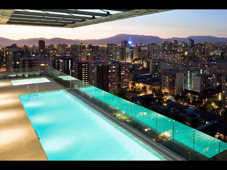 Apartment in Santiago, Chile. Lugares de interés: parques, arte y cultura, increíbles vistas y restaurantes y comida. Te va a encantar mi espacio por la luz, la comodidad de la cama, la cocina y el espacio acogedor. Mi alojamiento es bueno para parejas, aventureros, viajeros d...