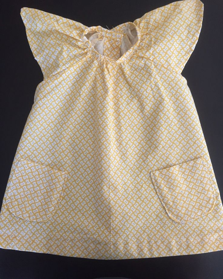 { B A B Y G I R L S U M M E R D R E S S } Adorable handmade baby girl dress! This dress is lovingly handmade from cotton material, with pocket embellishments on the front and a button-down back. It is sized to fit 6 Months. https://www.etsy.com/au/listing/268596986/handmade-baby-girl-summer-dress #handmade #babygirl #yellow #adorable #dress #summer #saxonandlola