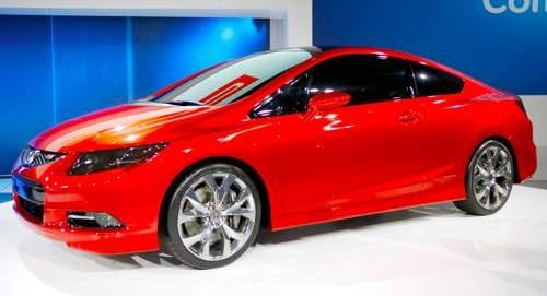 2012 Honda Civic SI. My boyfriend & I own this exact same car & color.