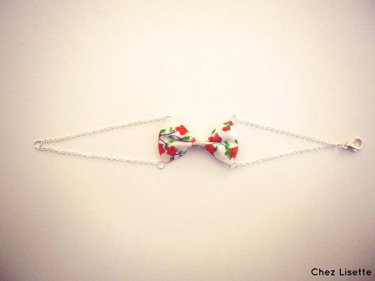 Un DIY bracelet nœud très facile à réaliser ! Une chaînette, des anneaux et un fermoir suffiront à réaliser un joli bracelet.