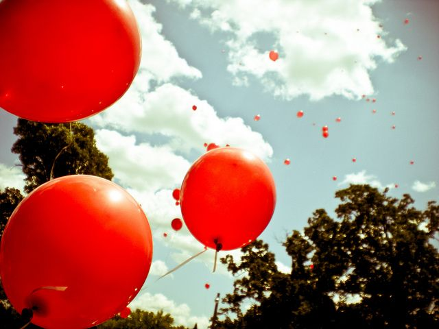 poppy red balloons