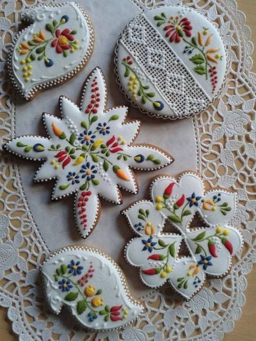 beautiful detailed floral cookies