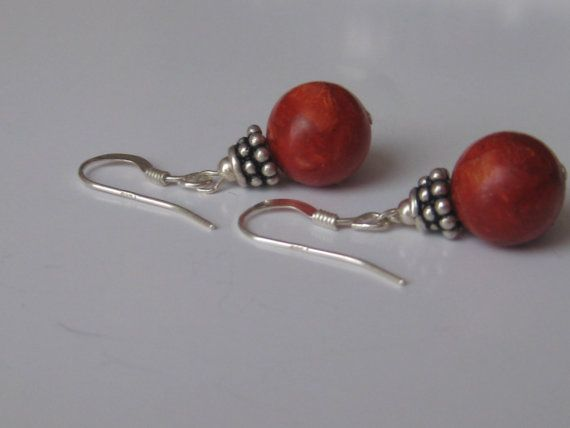 Red Caramel Sponge Coral Earrings Sterling Silver.  Price 15$    Section earrings:  http://www.etsy.com/shop/1001bijoux?section_id=12626863    These earrings are made with big round coral beads(10mm), hanging from Sterling silver earwires.     Perfect for everyday wear!