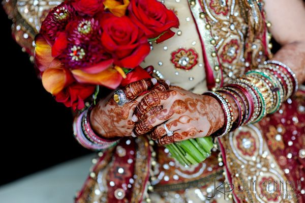 Bridal bouquet matching with wedding sari