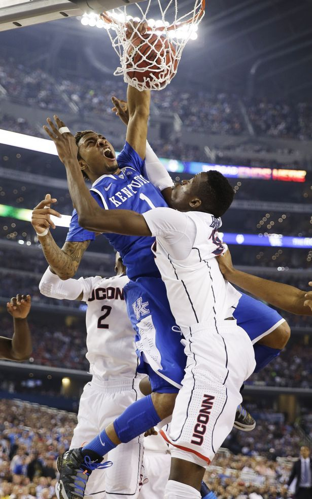 James Young poster dunk against Uconn (2014)