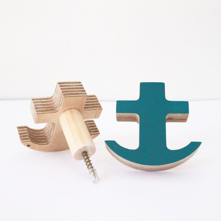 Available in TealMeasuring 7 x 6.3cmThese unique wall hooks are designed and handcrafted by The Hook Co. in Burleigh Heads Australia, using eco-sustainable birch plywood.Ready to hang they come with a screw and a wall mate to provide a secure anchor to your wall.When installed into plasterboard the hooks will hold up to 10 kgs