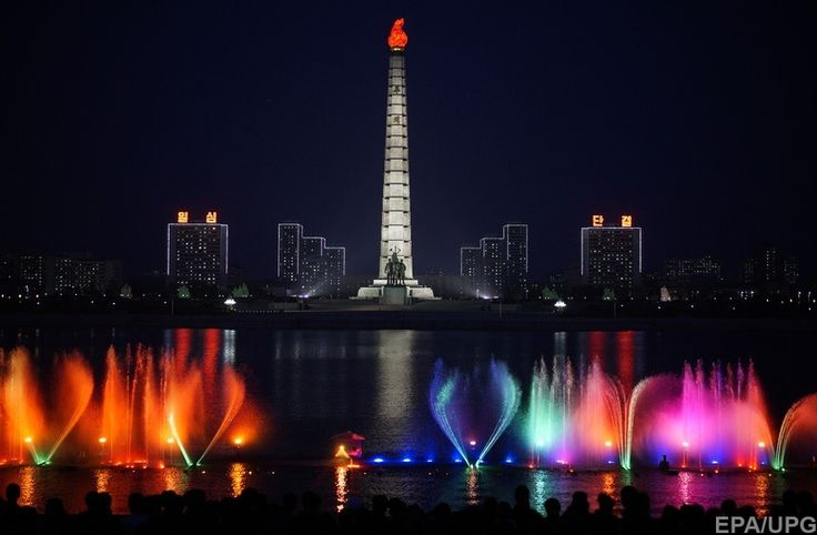 Северная Корея, Пхеньян. 170-метровая гранитная башня - монумент идее чучхе