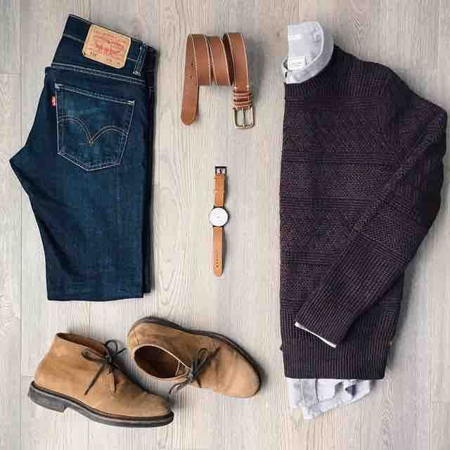 Gotta love this combo of classic dark denim, suede chukkas and a casual crewneck sweater. #mensstyle