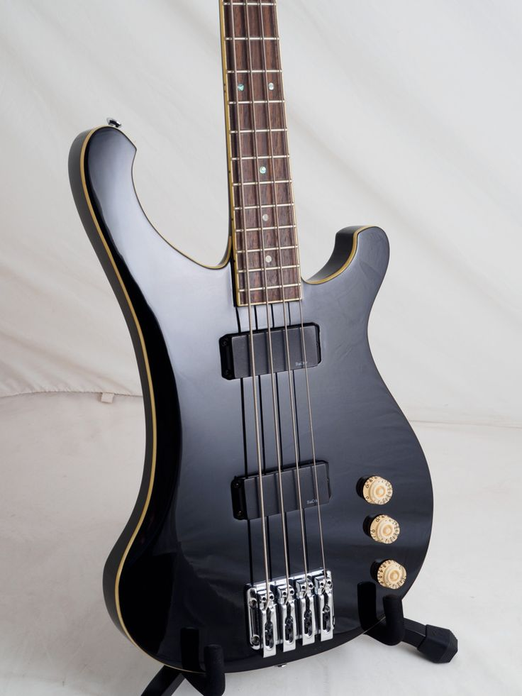 Detail of the BRBB-2R BK BaCH bass. For SALE.