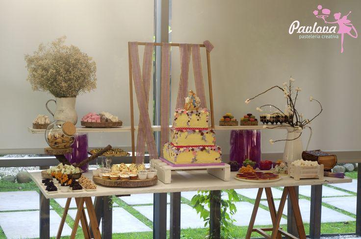 Mesa boda dulce repostería fiesta color nubes quemadores