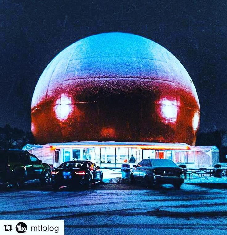 Great place to take a break during your last minute Christmas shopping. #justsaying // #Repost @mtlblog  Montreal's very iconic Orange Julep.  Picture by @livelikeyungphil #mtlblog #mtlblognews #montreal #montréal #mtl #quebec #québec #qc #canada #mtlmoments #downtownmontreal #oldmontreal #oldportmtl #winter #winter2017 #snow #vancouver #britishcolumbia #toronto #ottawa #ontario #calgary #edmonton #halifax #novascotia