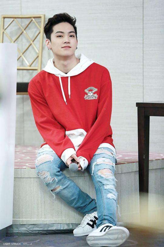 Happy Birthday Jaebum, the best leader in this world <33