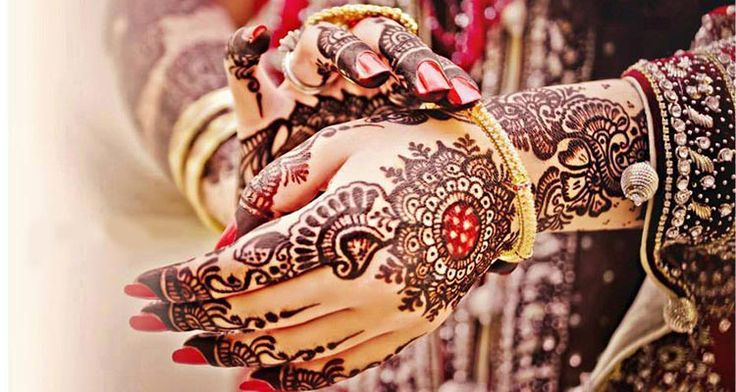 Selecting the perfect mehndi design can be confusing sometime. Here is an outstanding collection of diverse bridal hand mehndi designs for your wedding day.
