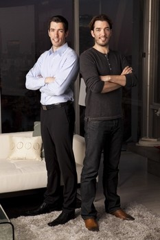 Twin property sensations, Jonathan and Drew Scott share intimate details in an interview and fun show photos. (Drew on left, and Jonathan on the right)