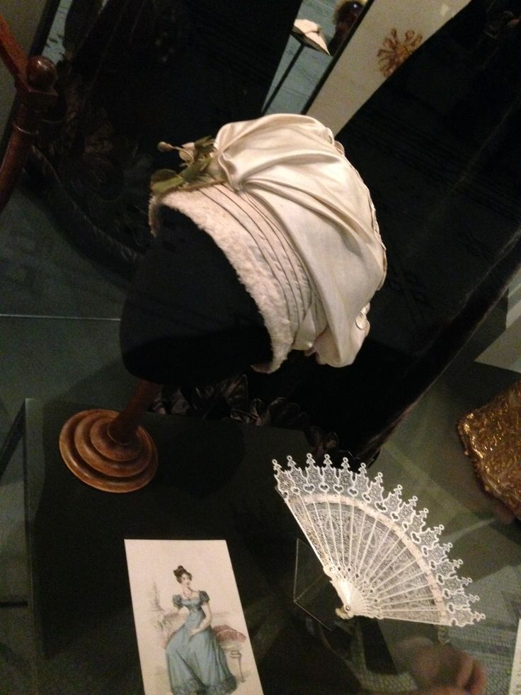 Turban style hat & fab, 1820. V&A Museum.