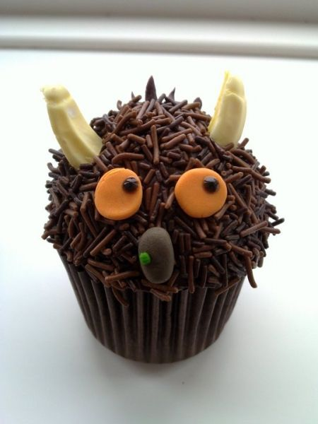 I will attempt these Gruffalo cupcakes for Guys 3rd birthday this year...@Allison j.d.m Timpe